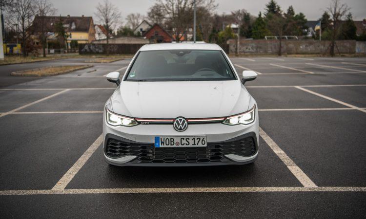 VW Golf GTI Clubsport 2021 im Test und Fahrbericht 300 PS Lohnt es sich Golf GTI AUTOmativ.de Benjamin Brodbeck 18 750x450 - Fahrbericht VW Golf 8 GTI Clubsport: Das ist der Echte!