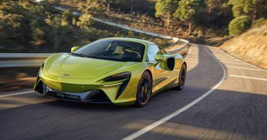 McLaren Artura 2021 AUTOmativ.de 1 390x205 - Neuer McLaren Artura mit 680 Hybrid-PS zu Preisen ab 226.000 Euro