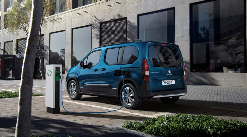 Peugeot e Rifter 2021 1 800x445 - Neuer Peugeot e-Rifter: Jetzt wird's elektrisch