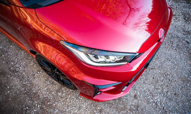 Toyota GR Yaris 2021 261 PS Allrad Karmina Rot Test und Fahrbericht WRC AUTOmativ.de Benjamin Brodbeck 27 750x450 - Toyota GR Yaris (2021) im Test und Deep-Dive: WRC-Rallyeauto für alle!