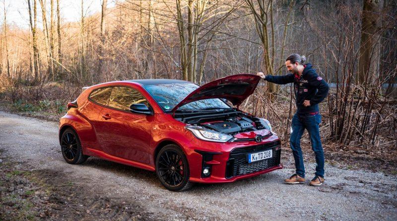 Toyota GR Yaris 2021 261 PS Allrad Karmina Rot Test und Fahrbericht WRC AUTOmativ.de Benjamin Brodbeck 35 800x445 - Toyota GR Yaris (2021) im Test und Deep-Dive: WRC-Rallyeauto für alle!