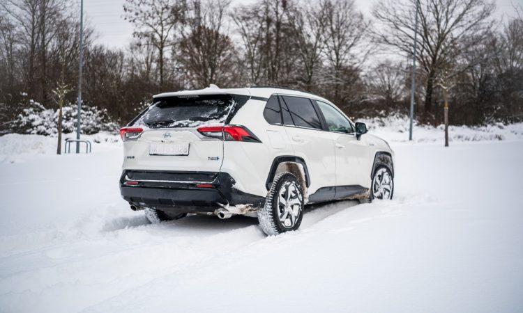 Toyota RAV4 Plug in Hybrid PHEV Test Fahrbericht AUTOmativ.de 14 750x450 - Fahrbericht Toyota RAV4 PHEV: 306 PS-Hybrid-SUV perfekt für den Winter?