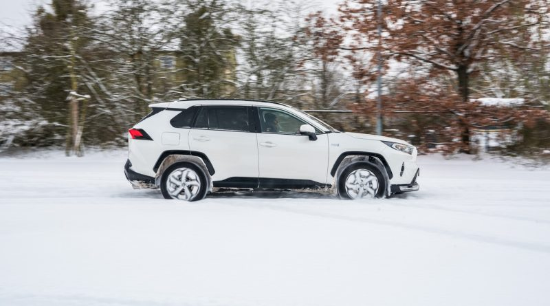 Toyota RAV4 Plug in Hybrid PHEV Test Fahrbericht AUTOmativ.de 18 800x445 - Fahrbericht Toyota RAV4 PHEV: 306 PS-Hybrid-SUV perfekt für den Winter?