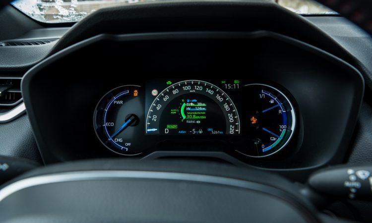 Toyota RAV4 Plug in Hybrid PHEV Test Fahrbericht AUTOmativ.de 19 750x450 - Fahrbericht Toyota RAV4 PHEV: 306 PS-Hybrid-SUV perfekt für den Winter?