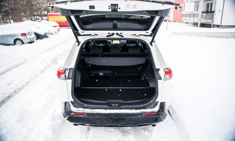 Toyota RAV4 Plug in Hybrid PHEV Test Fahrbericht AUTOmativ.de 30 750x450 - Fahrbericht Toyota RAV4 PHEV: 306 PS-Hybrid-SUV perfekt für den Winter?