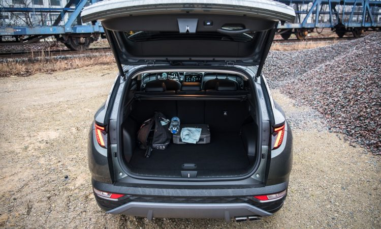 Hyundai Tucson 1.6 T GDI Prime Mild Hybrid Assistenz Motor Autobahn Optik Ausstattung Preis Test Fahrbericht Review 53 750x450 - Hyundai Tucson 1.6 T-GDI mit 48V-Hybrid: Unruhiger Hingucker