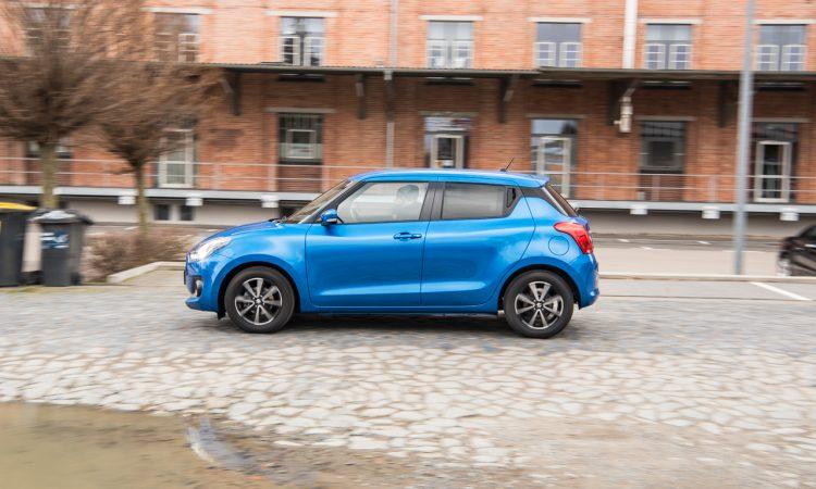 Suzuki Swift 1.2 DualJet Hybrid Comfort Mild Hybrid im Test und Fahrbericht Ausstattung Verbrauch AUTOmativ.de Benjamin Brodbeck 13 750x450 - Suzuki Swift 1.2 Hybrid Fahrbericht: Modern in kleinem Rahmen