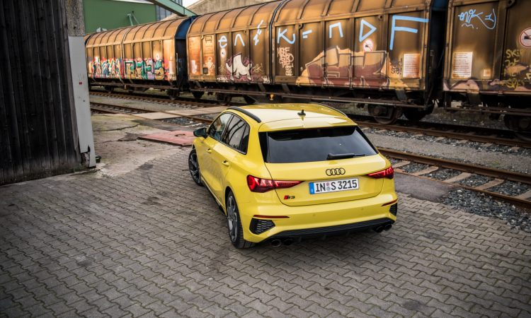 Audi S3 vs. Golf 8 R Review Test Ausstattung Preis Fahrdynamik Technologie Autobahn AUTOmativ.de Benjamin Brodbeck 41 750x450 - Fahrbericht Audi S3 (310 PS): Der Golf R von Audi?