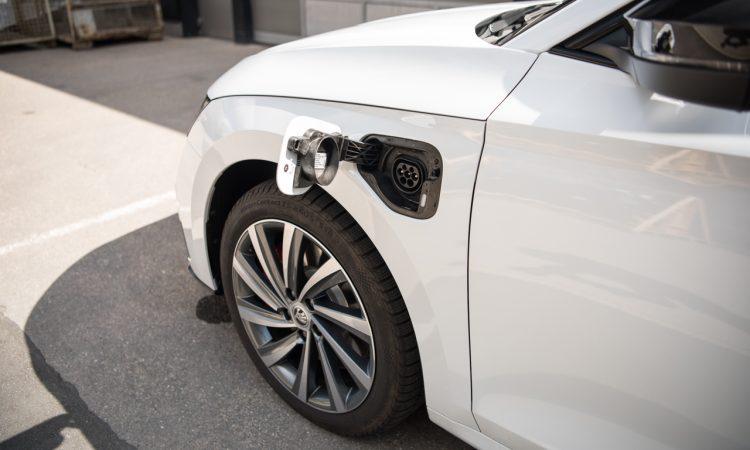 Skoda Octavia RS iV PHEV WIRKLICH ein RS Fahrdynamik Ausstattung Test mit Benjamin Brodbeck 17 750x450 - Skoda Octavia RS iV (2021): Sportlich dank Plug-in Hybrid