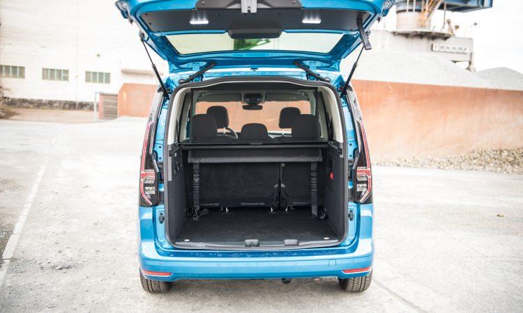 Volkswagen VW Caddy Move 2.0 TDI Test Fahrbericht Exterieur Ausstattung Fahrkomfort Innenraumgeraeusch Preise Review AUTOmativ.de Benjamin Brodbeck 37 750x450 - Neuer VW Caddy 2.0 TDI im Test: Kann der MQB-Nutzi so komfortabel wie der Golf?