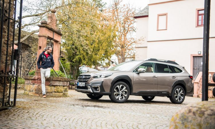 Subaru Outback 2.5i Platinum Wie komfortabel faehrt er wirklich Test und Fahrbericht Review AUTOmativ.de Benjamin Brodbeck 3 750x450 - Subaru Outback 2.5i Platinum (2021) im Fahrbericht: Cooler Offroad-Kombi!