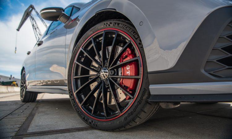 "Volkswagen VW Golf GTI Clubsport 45 Test Review Fahrbericht AUTOmativ.de Benjamin Brodbeck 47 750x450 - Test des VW Golf GTI ""Clubsport 45"": Besonders oder zu wenig?"