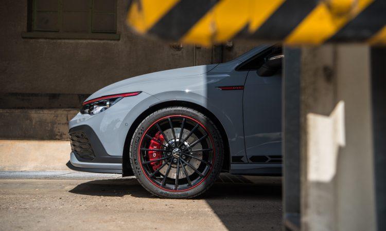 "Volkswagen VW Golf GTI Clubsport 45 Test Review Fahrbericht AUTOmativ.de Benjamin Brodbeck 59 750x450 - Test des VW Golf GTI ""Clubsport 45"": Besonders oder zu wenig?"