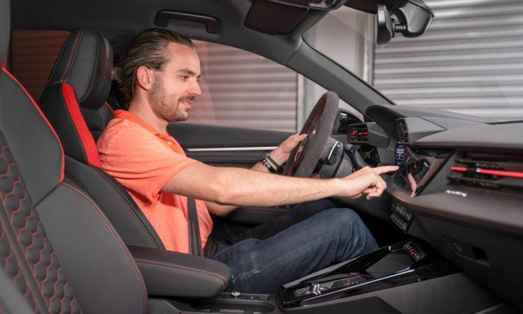 Audi RS 3 Sportback Audi RS 3 Limousine 400 PS MY2022 Tangorot Test Sitzprobe Review AUTOmativ.de Benjamin Brodbeck 6 750x450 - Neuer Audi RS 3 Sportback und Limousine (2021): Ist das alles?!