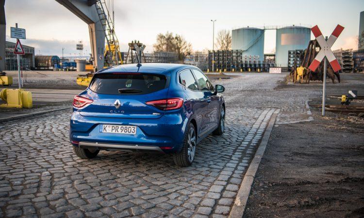Renault Clio E Tech 140 Hybrid Test AUTOmativ.de HQ 7 750x450 - Renault Clio E-Tech 140 im Fahrbericht: Kompliziert - aber schick!
