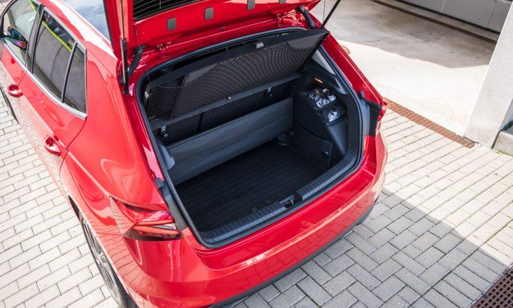 Skoda Fabia 1.0 TSI Style 81 kW Velvet Rot Fahrbericht Test Review AUTOmativ.de Benjamin Brodbeck 14 750x450 - Fahrbericht neuer Skoda Fabia (1.0 TSI): Cleverster Kleinwagen überhaupt?